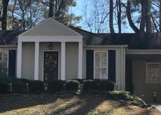 Foreclosed Home en PINE FOREST RD, Atlanta, GA - 30342