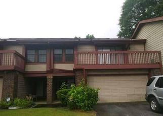 Foreclosed Home en VILLAGE ST, Stone Mountain, GA - 30088