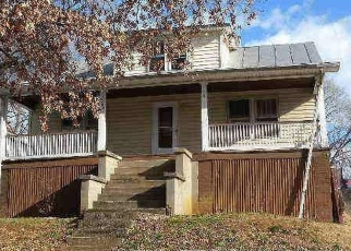 Foreclosed Home en HOLLINS RD NE, Roanoke, VA - 24012