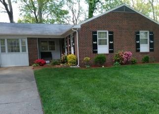 Foreclosed Home en FLINT DR, Newport News, VA - 23602