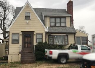Foreclosed Home en WALKER MILL RD, Capitol Heights, MD - 20743