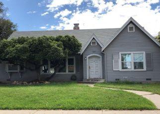 Foreclosed Home en E NEVADA AVE, Fresno, CA - 93702