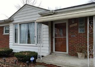 Foreclosed Home en MAUER ST, Saint Clair Shores, MI - 48080