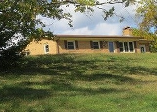 Foreclosed Home en CHESTNUT RIDGE RD, Chilhowie, VA - 24319