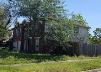 Foreclosed Home in SCRIVENER LN, Katy, TX - 77493