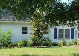 Foreclosed Home en N COLLEGE ST, Metter, GA - 30439