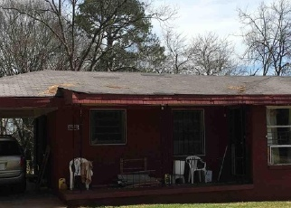 Foreclosed Home en MIRIAM LN, Decatur, GA - 30032