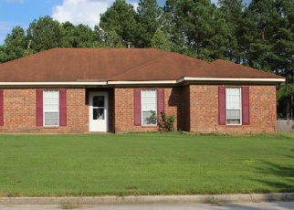 Foreclosed Home en BASSFORD DR, Hephzibah, GA - 30815