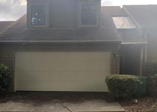 Foreclosed Home en BURNSTONE DR, Stone Mountain, GA - 30088