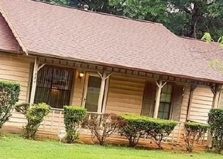Foreclosed Home en LAKE WATCH DR, Stone Mountain, GA - 30088