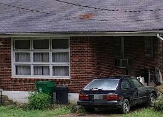 Foreclosed Home en PARKHILL DR, Decatur, GA - 30032