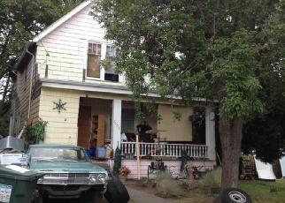 Foreclosed Home en RAVENNA AVE NE, Seattle, WA - 98115