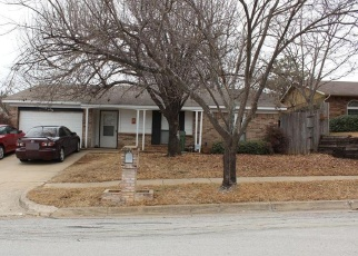 Foreclosed Home in GLEN PINES DR, Arlington, TX - 76016