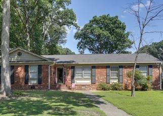 Foreclosed Home en PLYMOUTH CIR, Newport News, VA - 23602