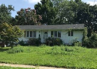 Foreclosed Home en FREEMAN AVE, Brentwood, NY - 11717