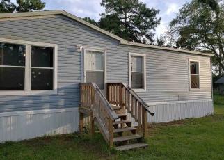 Foreclosed Home en HOWARD RD, Jacksonville, FL - 32218