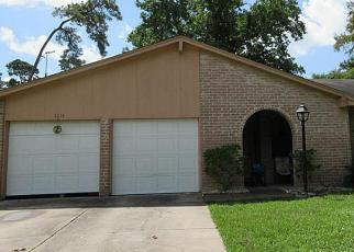 Foreclosed Home in WINTERGREEN DR, Humble, TX - 77396