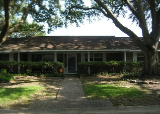 Foreclosed Home in PALOMAR ST, Baytown, TX - 77520