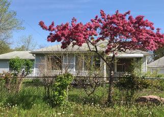 Foreclosed Home en PALMER RD, Westland, MI - 48186