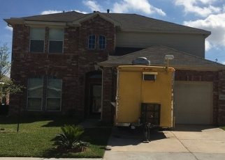 Foreclosed Home in SUNNY DR, Baytown, TX - 77521