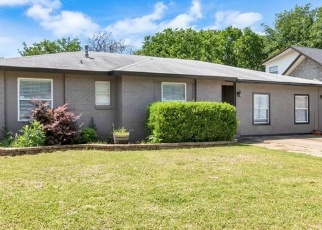 Foreclosed Home in SHELMAR DR, Arlington, TX - 76014