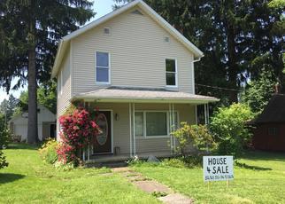 Foreclosed Home en HEMLOCK ST, Marienville, PA - 16239