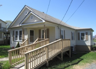 Foreclosed Home en HONEYVILLE AVE, Stanley, VA - 22851