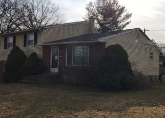 Foreclosed Home en WILLOW AVE, Willow Grove, PA - 19090