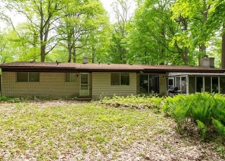 Foreclosed Home en SHADY RIDGE DR, Farmington, MI - 48336