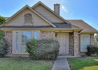 Foreclosed Home in OLIVEWOOD DR, Arlington, TX - 76001