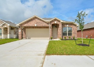 Foreclosed Home in BARRED OWL DR, Humble, TX - 77338