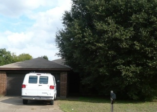 Foreclosed Home in MAPLE SPRINGS DR, Arlington, TX - 76001