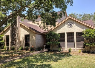 Foreclosed Home in AUTUMN LN, Baytown, TX - 77521