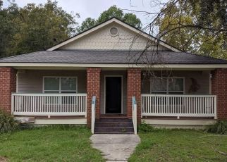 Foreclosed Home en DE LYON ST, Savannah, GA - 31415