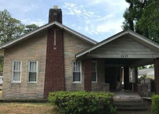 Foreclosed Home en SEILER AVE, Savannah, GA - 31404