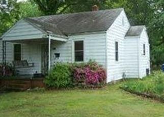 Foreclosed Home en ROANOKE AVE, Newport News, VA - 23605