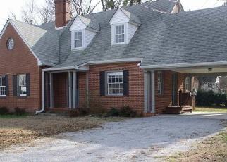 Foreclosed Home en JEFFERSON ST, Boydton, VA - 23917