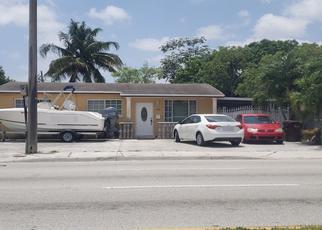 Foreclosed Home en E 8TH AVE, Hialeah, FL - 33013