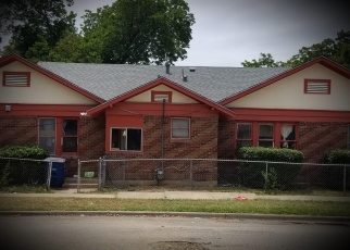 Foreclosed Home in W BROOKLYN AVE, Dallas, TX - 75208