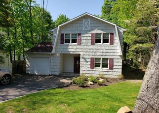 Casa en ejecución hipotecaria in Huntington, NY, 11743,  FAIRVIEW ST ID: S70181292