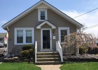 Casa en ejecución hipotecaria in Freeport, NY, 11520,  PARK AVE ID: S70182969