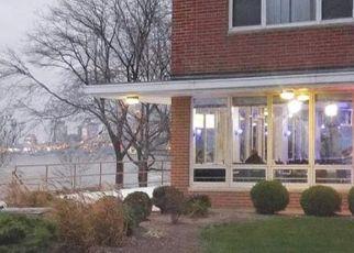 Casa en ejecución hipotecaria in Lakewood, OH, 44107,  EDGEWATER DR ID: S70184870