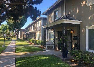 Casa en ejecución hipotecaria in Costa Mesa, CA, 92626,  COLLEGE AVE ID: S70192665