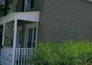 Casa en ejecución hipotecaria in Hyde Park, NY, 12538,  W MARKET ST ID: S70192726