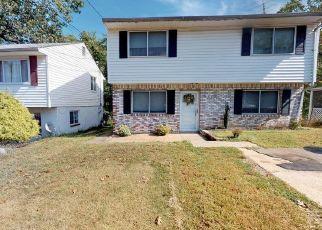 Casa en ejecución hipotecaria in Capitol Heights, MD, 20743,  NOVA AVE ID: S70193697