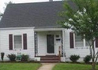 Casa en ejecución hipotecaria in Roanoke, VA, 24015,  MAIDEN LN SW ID: S70197328