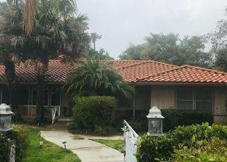 Casa en ejecución hipotecaria in Villa Park, CA, 92861,  CENTER DR ID: S70197605