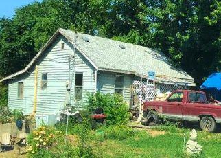 Casa en ejecución hipotecaria in Wapato, WA, 98951,  W 1ST ST ID: S70210875