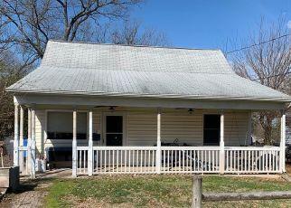 Casa en ejecución hipotecaria in Manassas, VA, 20111,  KENT DR ID: S70210885