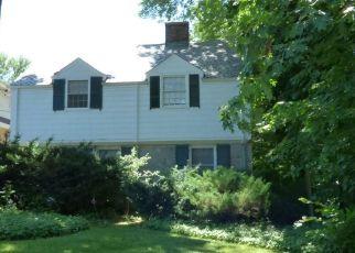Casa en ejecución hipotecaria in Pelham, NY, 10803,  BOULEVARD ID: S70211213